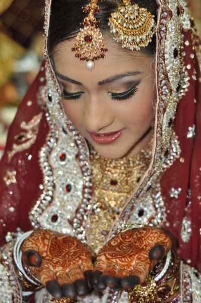 light foundation indian bride|Vanitynoapologies|Indian Makeup and