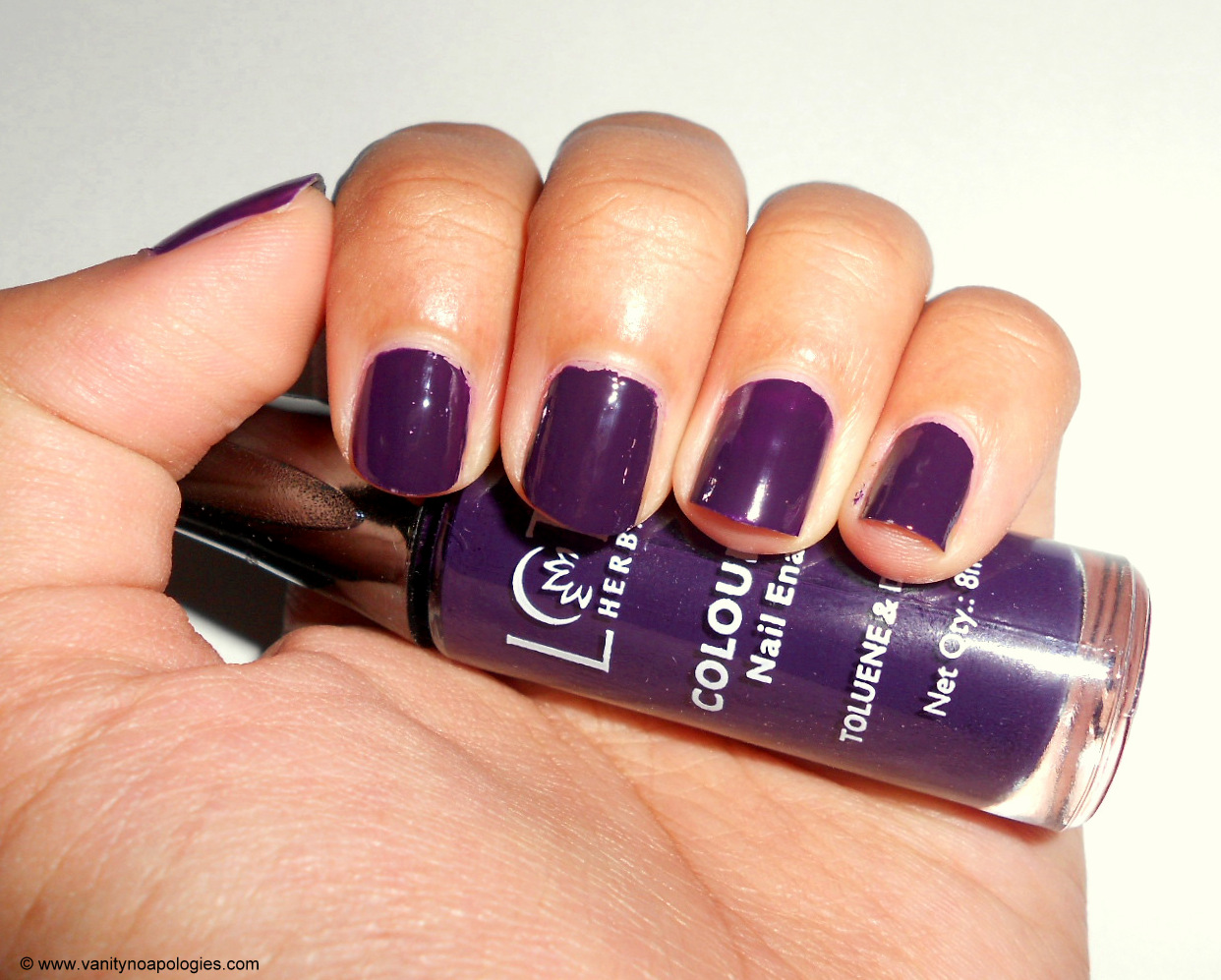 lotus-herbals-colour-dew-nail-emamel-plum-delight-review-swatches ...