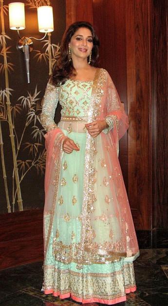 Madhuri Dixit iifa Awards 2013 outfit