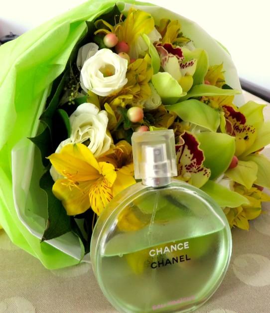 Chanel Chance Eau Fraiche EDT Review photo