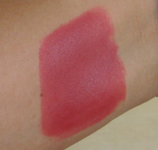 Lakme 9 to 5 Lipstick Red Chaos Swatch