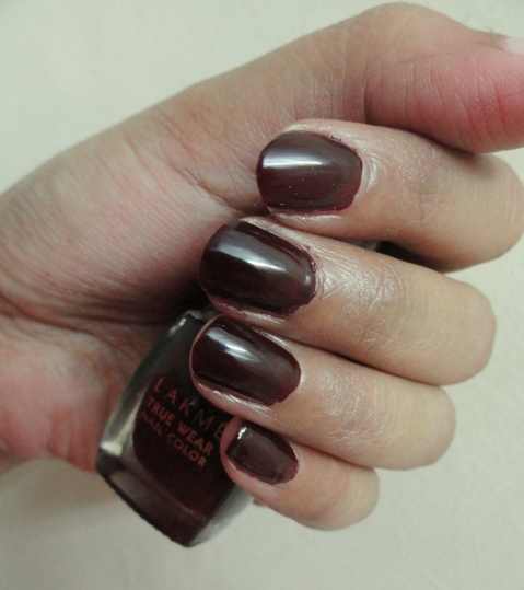 Lakme True Wear Nail Color 403 photo