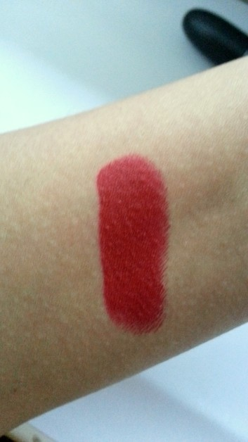Mac Russian Red Lipstick Swatches
