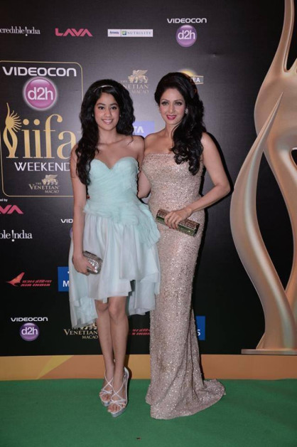 Sridevi iifa Awards 2013 gown