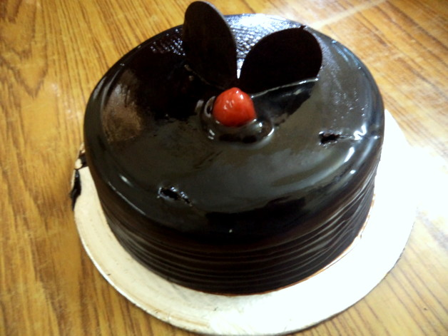chocolate truffle cake blogger