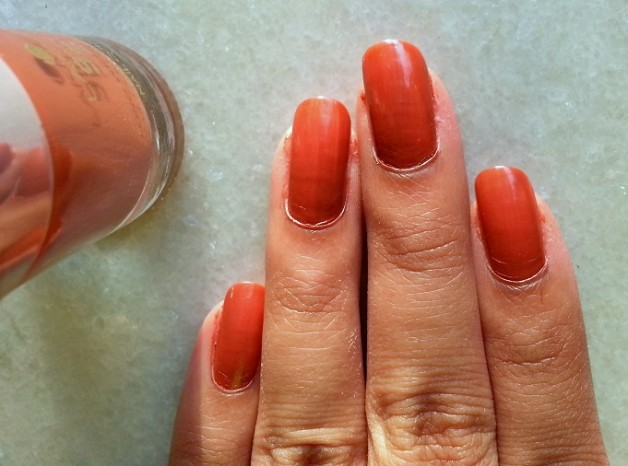 lakme 9 to 5 long wear nail color oak room review