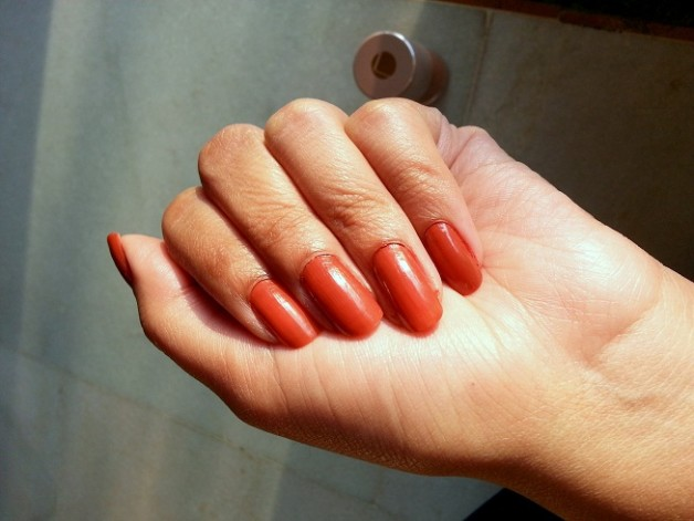 lakme 9 to 5 long wear nail color oak room swatches