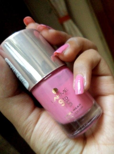 lang pink nails