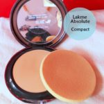 Lakme Absolute White Intense Cover Wet and Dry Compact Swatch, Review, FOTD
