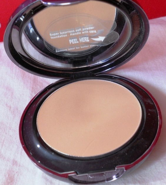 Lakme Absolute White Intense Cover Wet and Dry Compact Review