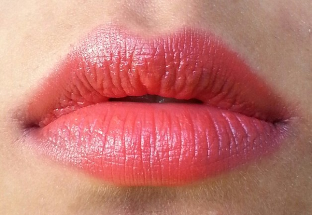 Maybelline Bold Matte Lipstick MAT 02 Swatches on lips