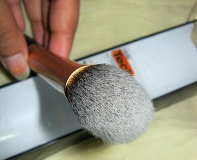 Real Techniques Expert Face Brush review
