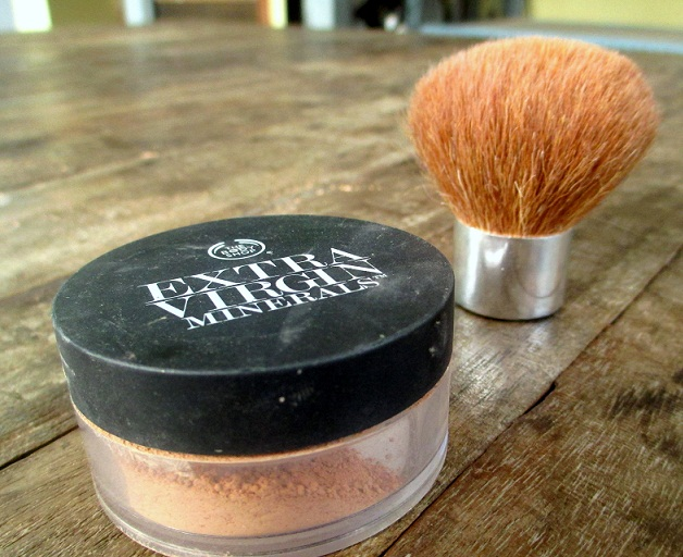 The Body Shop Extra Virgin Minerals Loose Powder Foundation review