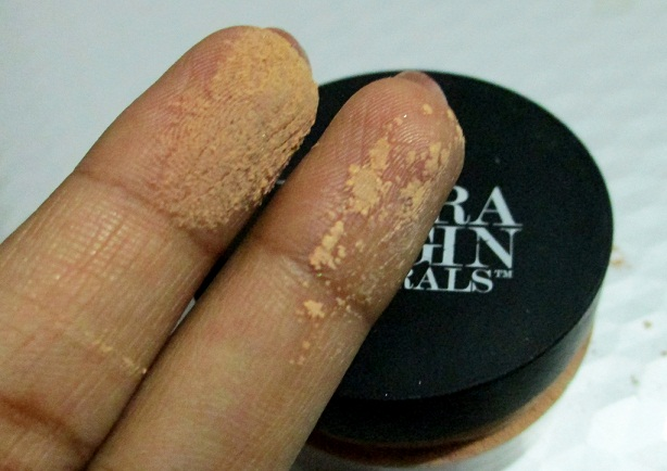 The Body Shop Extra Virgin Minerals Loose Powder Foundation swatches