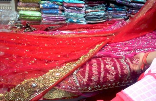 bridal red dupatta design