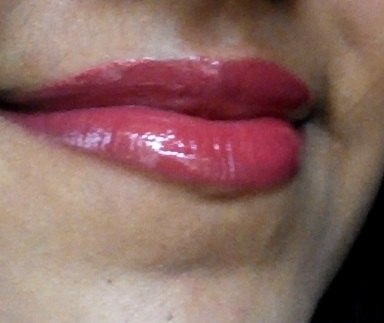 lakme absolute gloss stylist burgundy burn lip swatch