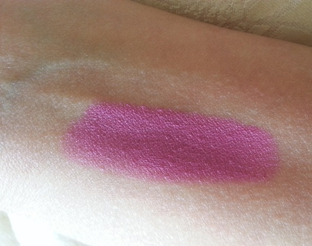 Wet n Wild Mega Last Lip Color Mauve Outta Here Swatches