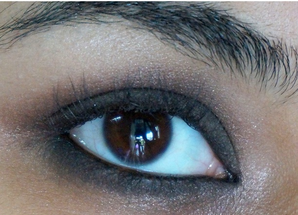 kareena kapoor eye makeup tutorial step8