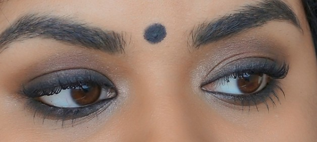 kareena kapoor inspired smokey eye makeup final look