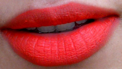 mac dangerous retro matte lipstick lip swatch
