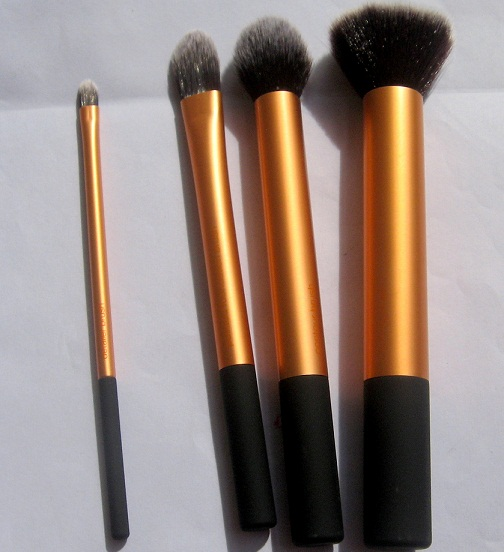 Real techniques core collection makeup brushes kit review