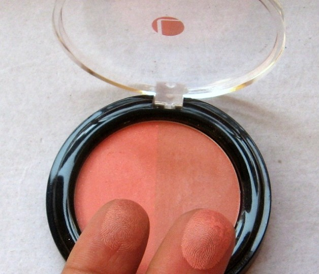 lakme absolute peach blush face stylist blush duo swatch