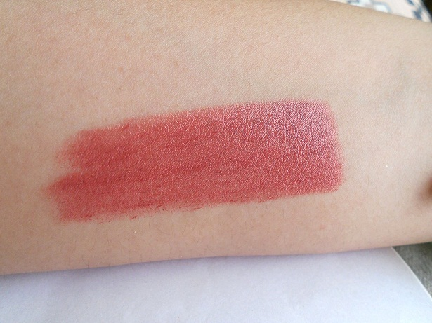 mac creme in your coffee lipstick swatches
