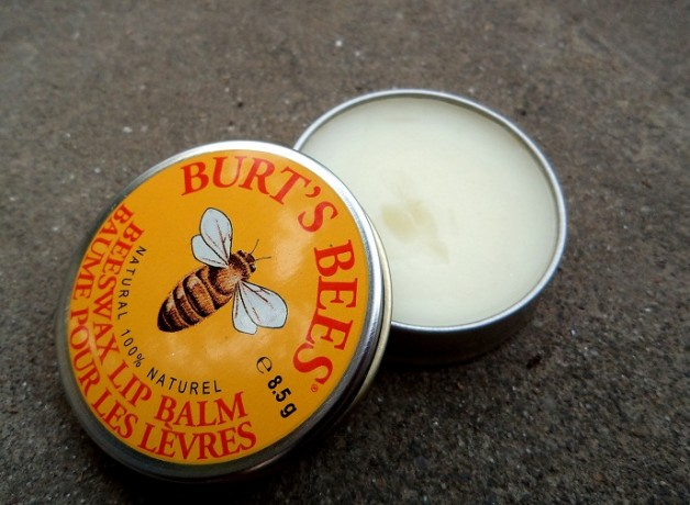 burts bees beeswax lip balm peppermint vitamin e photo