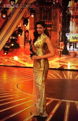 Deepika Padukone 59th Filmfare Awards 2014 dress