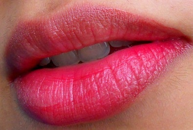 L'Oreal Paris Shine Caresse stain eve review lip swatches