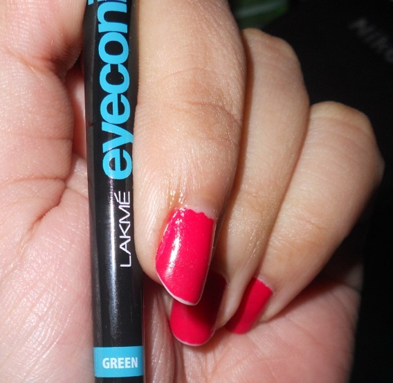 Lakme Eyeconic kajal green review photo