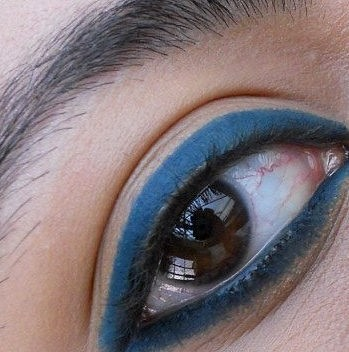 Lakme Eyeconic kajal green swatches eyes