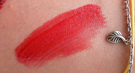 Maybelline lip polish glam12 review swatch