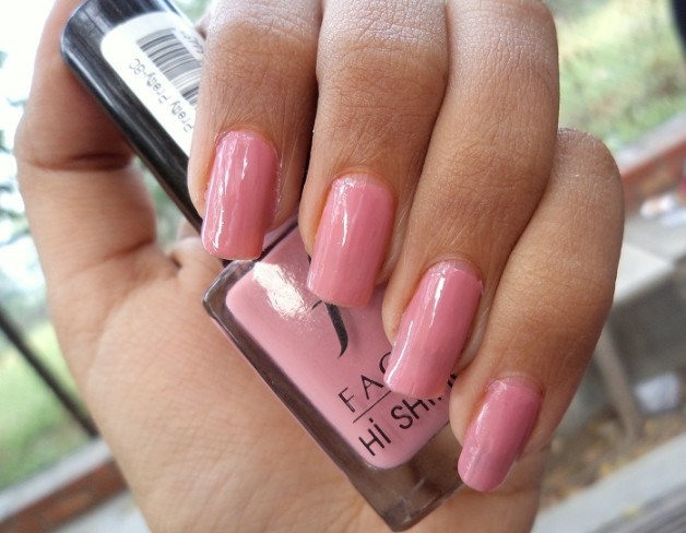 NOTD faces hi shine nail enamel pretty pretty
