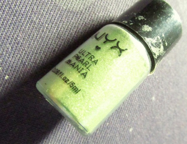 NYX Ultra Pearl Mania EyeShadow Lime Review blog