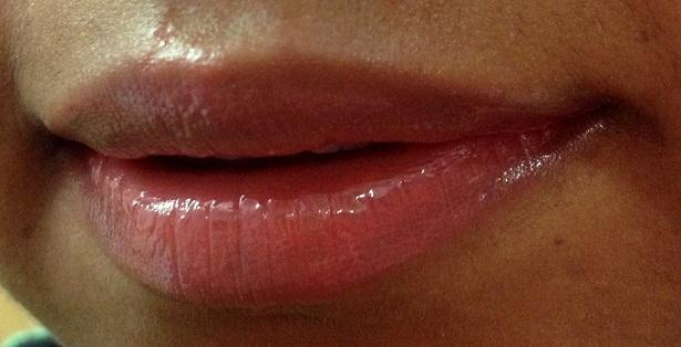 elle 18 juicy berry lip balm review lip swatches