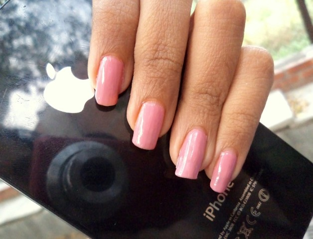 faces hi shine nail enamel pretty pretty swatch