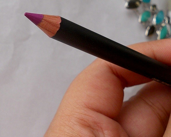 mac heroine lip pencil review blog