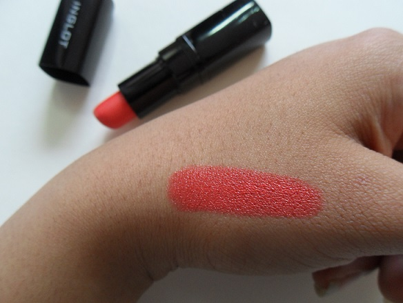 Inglot Lipstick 100 review swatches