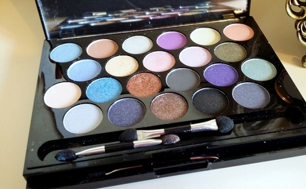 MUA Britains and Ireland Next Top Model Palette High Definition Supermodel Eyes review