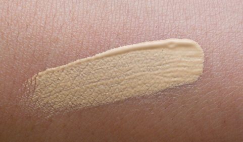 Revlon Colorstay Concealer Light review swatch