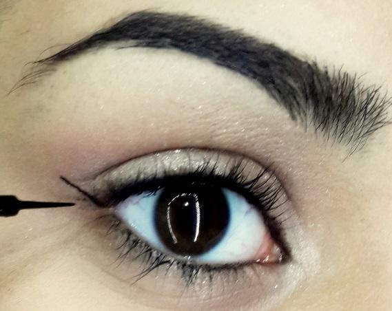 how to do easy cat eyeliner tutorial step 4
