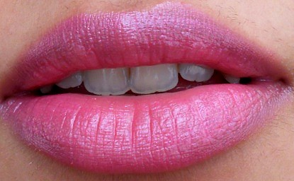 L'Oreal Rouge Caresse Lipstick Rose Mademoiselle Review lip swatches