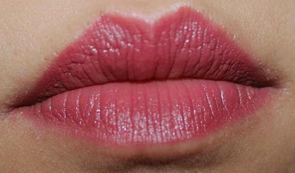Lakme Absolute Creme Lipstick Sheer Berry review swatch