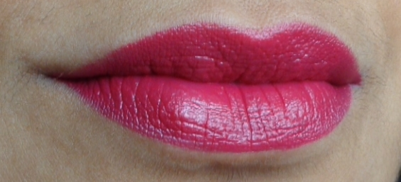 Revlon Super Lustrous Lipstick Cherries in the Snow review lip swatches