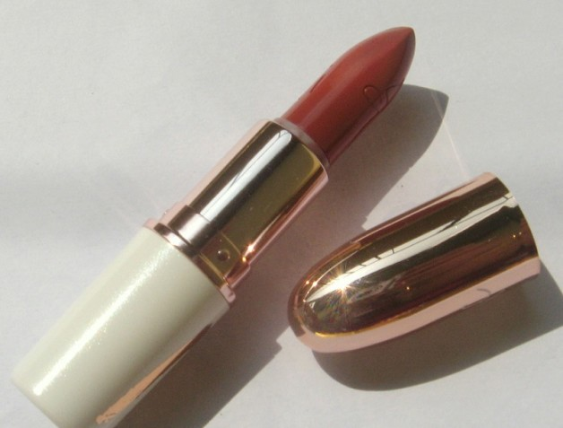 mac bad girl riri lipstick review