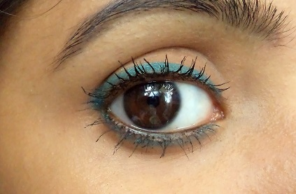 Maybelline Colossal Kohl Turquoise review eye swatches