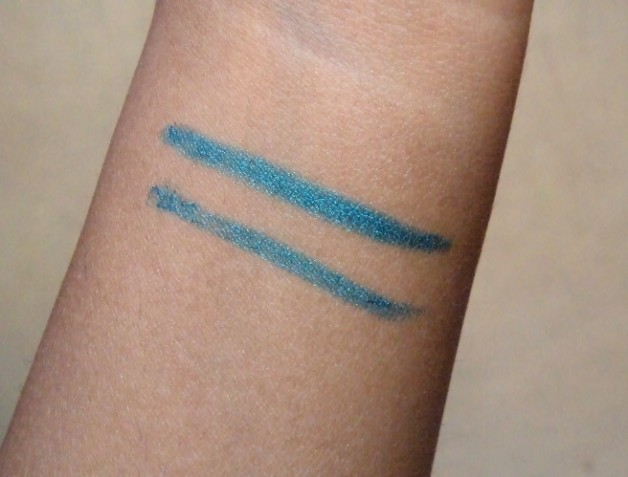 Maybelline Colossal Kohl Turquoise review swatch