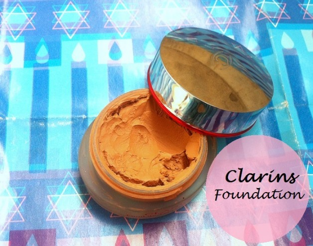Clarins Instant Smooth Foundation Review swatches photo