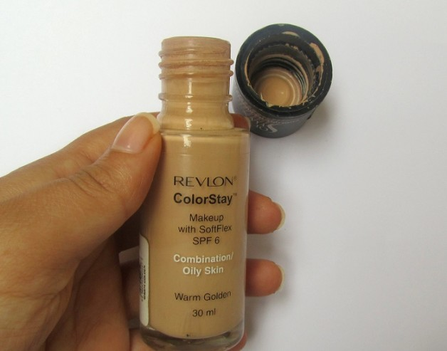 Revlon ColorStay Makeup Liquid foundation for Combination Oily Skin review swatches india